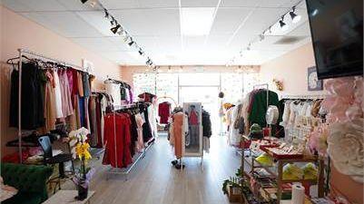 Sang tiệm quần áo