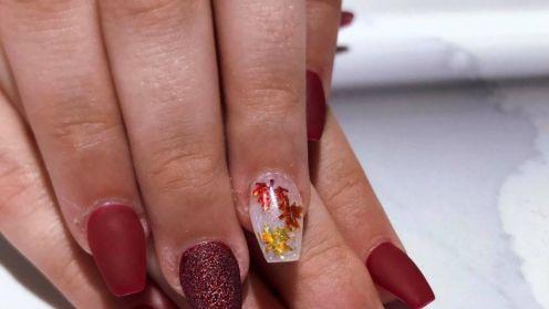 Cần thợ nail gấp