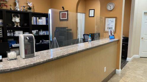 Cần tuyển receptionist và dental asisst