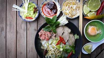 Cần sang nhà hàng Việt sang trọng